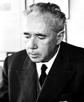 Giulio Natta, een van de ontwikkelaars van PP.